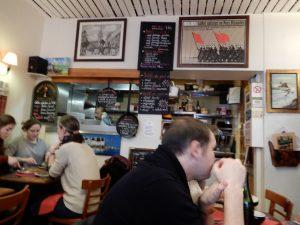 ガレット(Galette)の本場フランスを巡る旅②:パリ市内の通称ガレット通り(モンパルナス通り)のLa Bigoudenneは、パリ市民憩いの人気店。