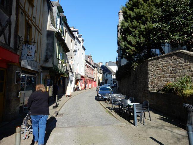 バラッド・クレープリー(Balade en Crêpanie)のガレットは、全粒粗挽きながらサクッと香ばしい感動の味わい。│ガレット(Galette)の本場フランスを巡る旅⑩